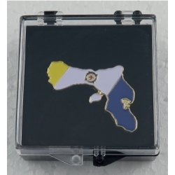 Pin with the flag and shape of Bonaire