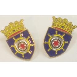Pins mit dem Wappen von Bonaire.