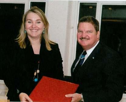Aruba Dushi Tera: PM Mike Eman in Holland