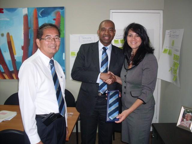 John Fun & Arubaanse Minister Winklaar