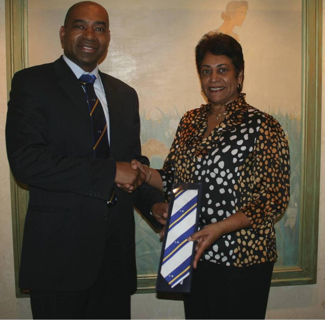 Overhandiging Curaçao das